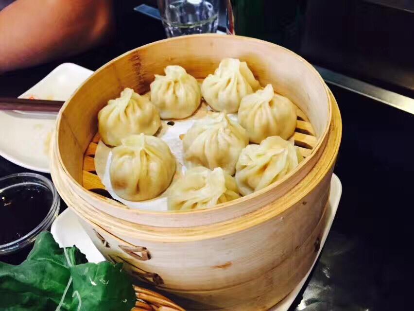 Clyster dumpling 灌汤小笼包