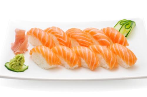 Plateau sushi saumon