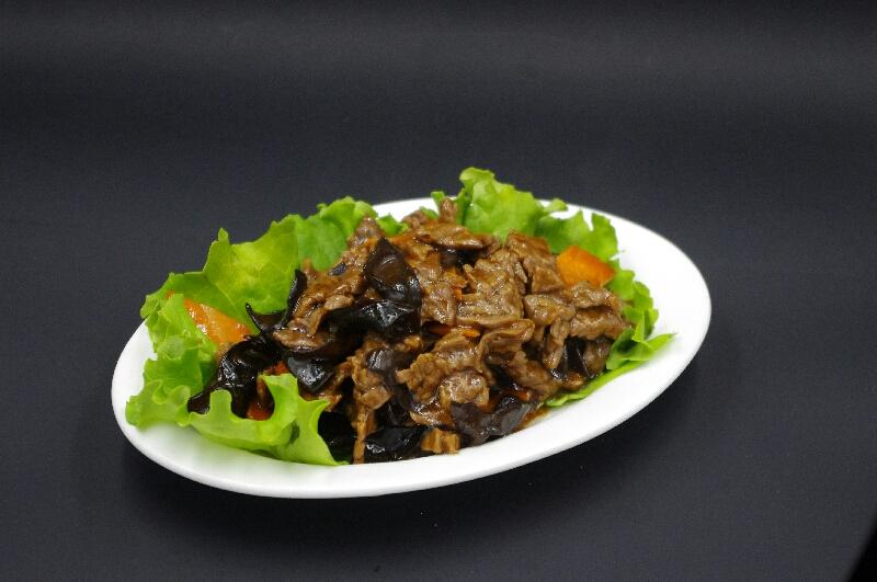 Boeuf aux champignons noirs