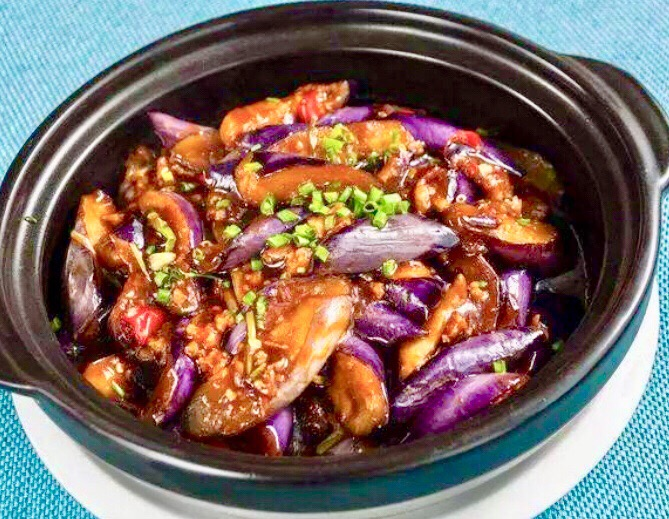 B13 Egg-Plant with Pork and Salted Fish Hot Pot
