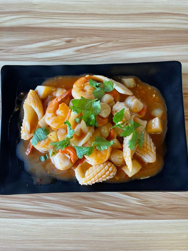 Fruits de mer à la sauce piquante